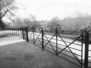 Hurdle-fencing-drive-gates-bw